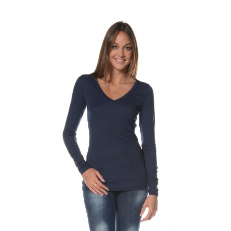 Navy T-shirt with long sleeves and V neckline